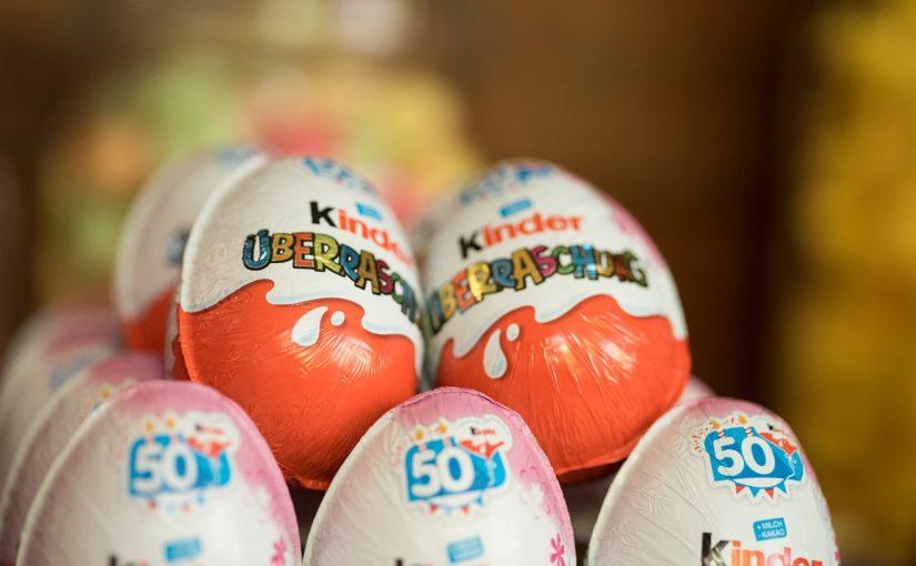 Dlaczego jajka z niespodzianką są nielegalne w USA?