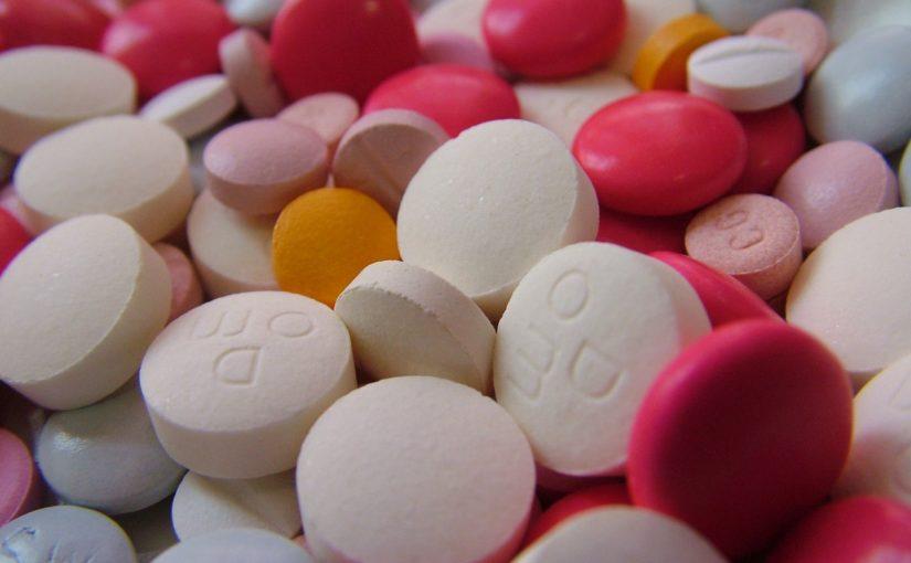 Dlaczego w butelkach leków umieszczane są waciki?