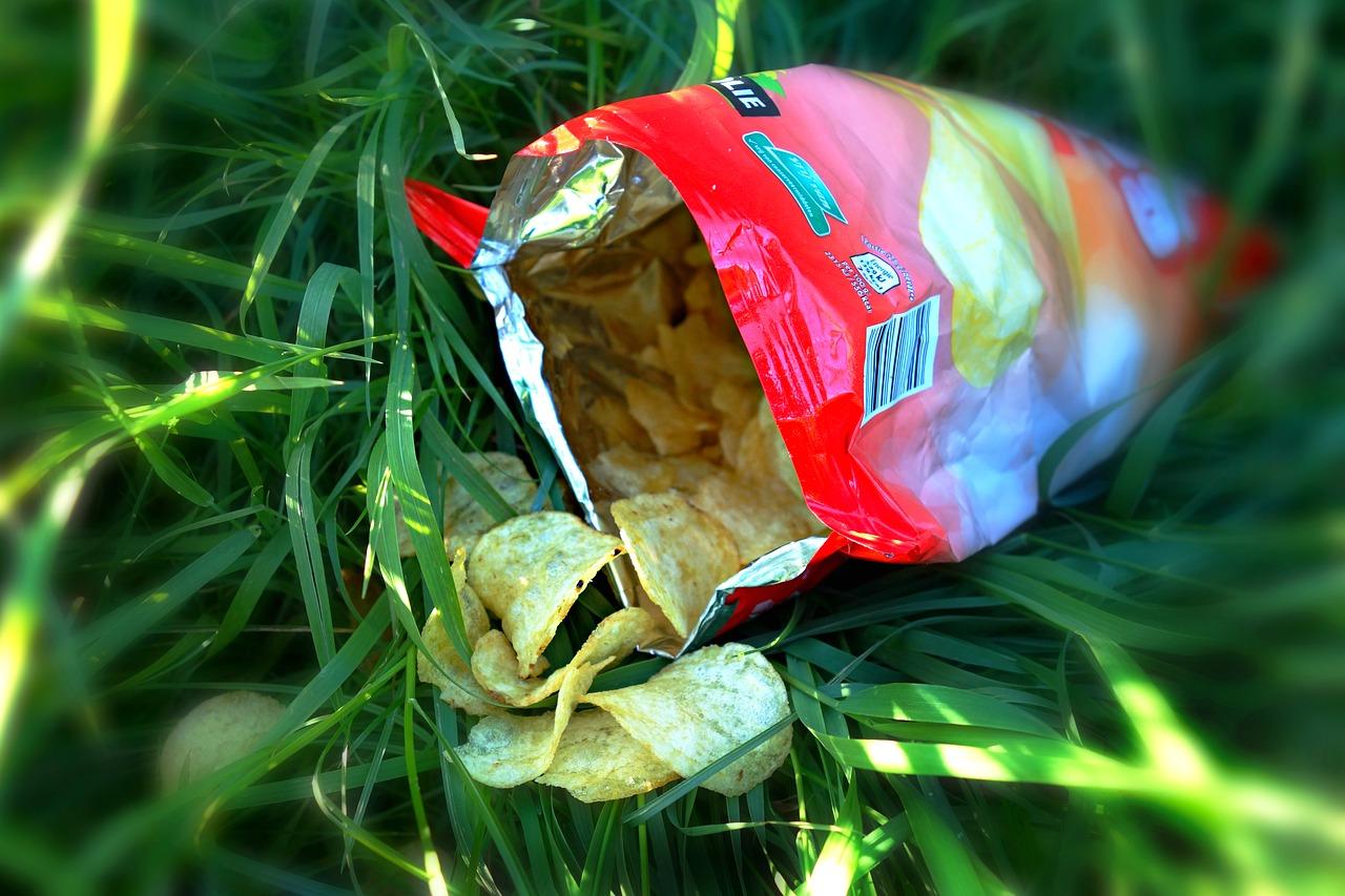 Dlaczego torebka chipsów jest w połowie pusta?