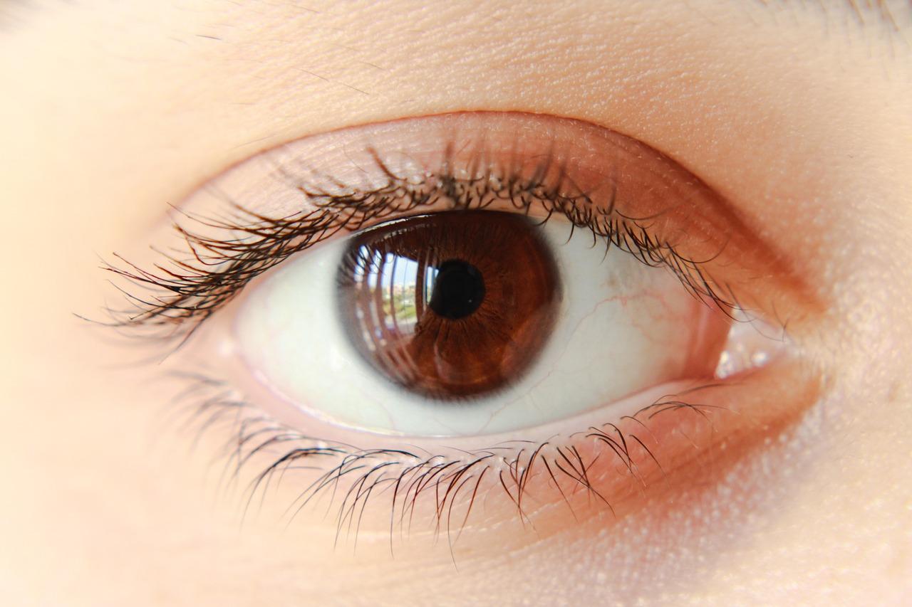 Czy kieszonkowy laser może uszkodzić nam wzrok?
