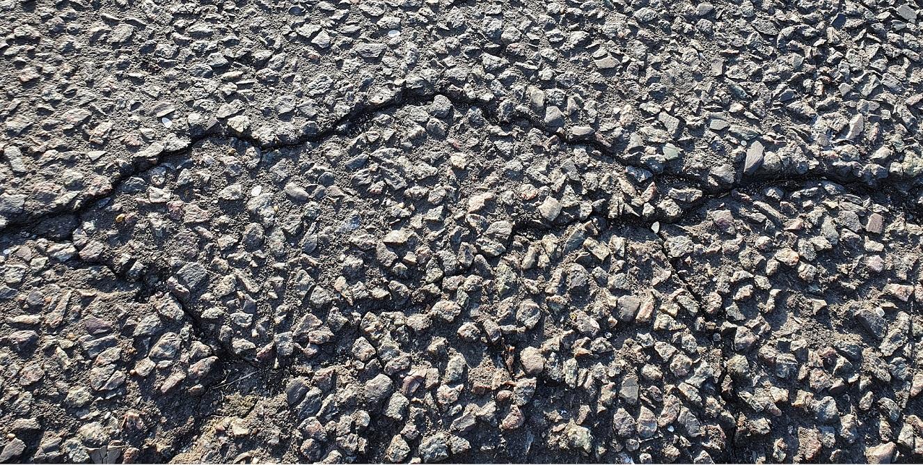 Pęknięcia asfaltu
